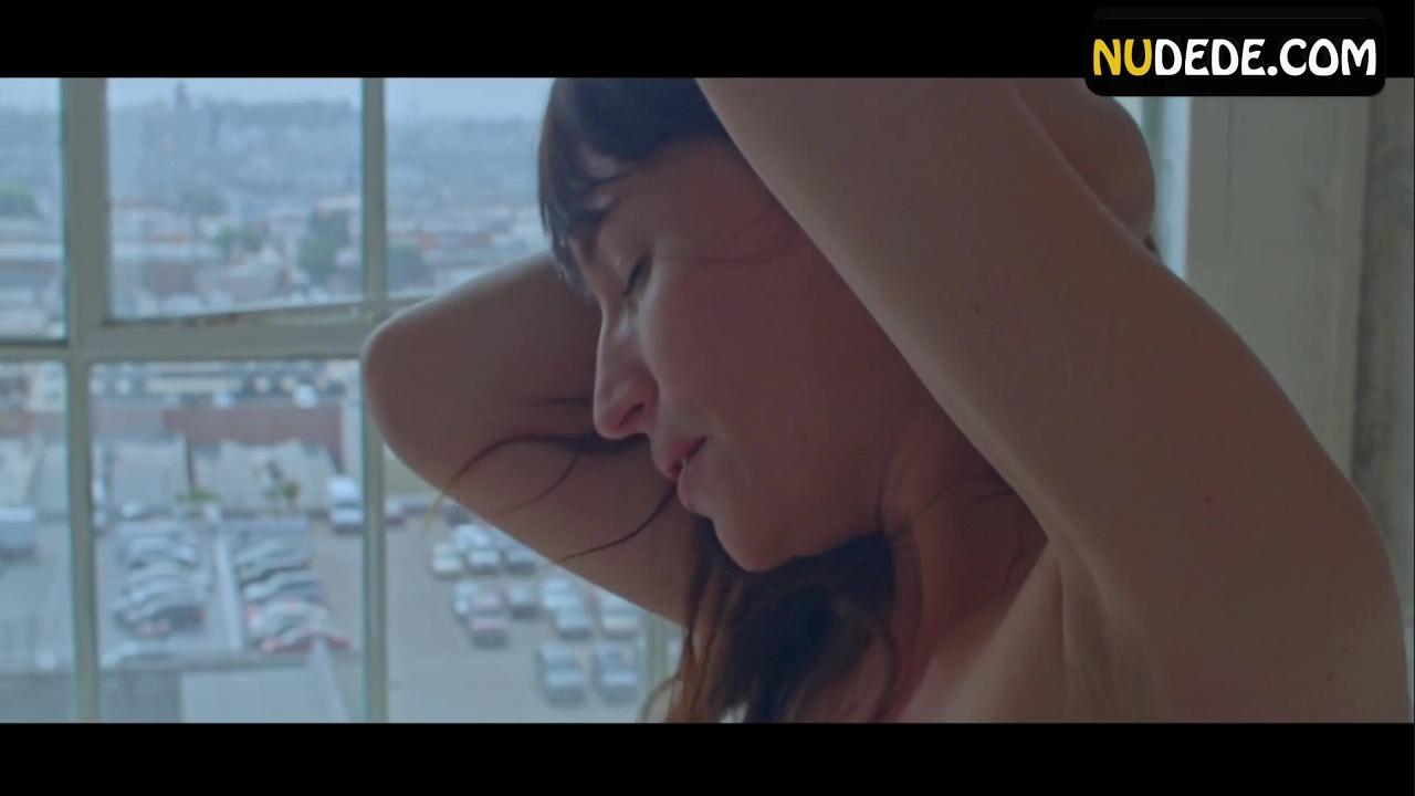 Alisha Boe Desnuda actors - nudede